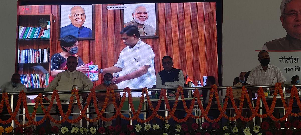 सस्ते और उच्च गुणवत्ता वाले एलईडी बल्ब उपलब्ध कराकर गांवों को जगमग किया जायेगा:आरके सिंह