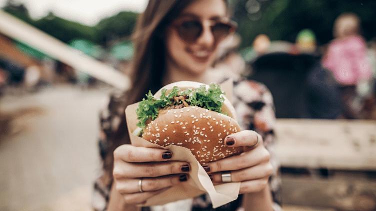 मैकडोनाल्ड ला रहा है शाकाहारी मीट बर्गर