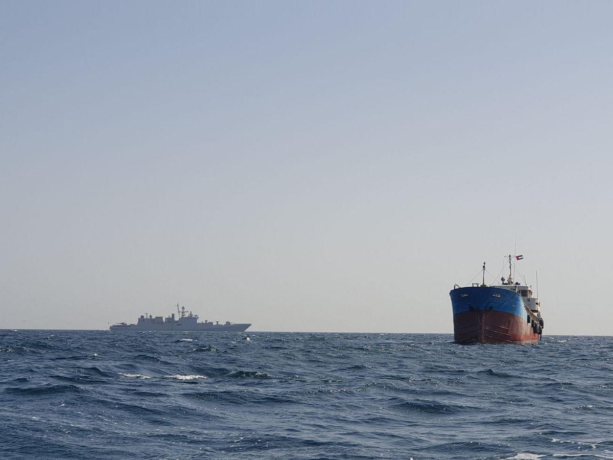 ओमान की खाड़ी में फंसे मालवाहक पोत को बचाया भारतीय नौसेना ने