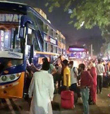 अहमदाबाद, तालाबंदी के डर से राजस्थानी लोगों ने गृह राज्य का रुख किया