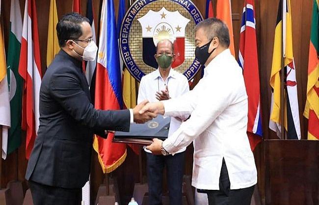 भारत और फिलीपींस ने प्रमुख रक्षा संधि पर हस्ताक्षर किए