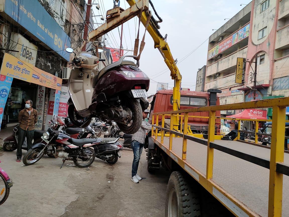 दुर्ग : यातायात नियम के विरुद्ध अभियान के तहत 6 दिन में 23 वाहन जब्त, 1 लाख 80 हजार अर्थदंड की वसूली