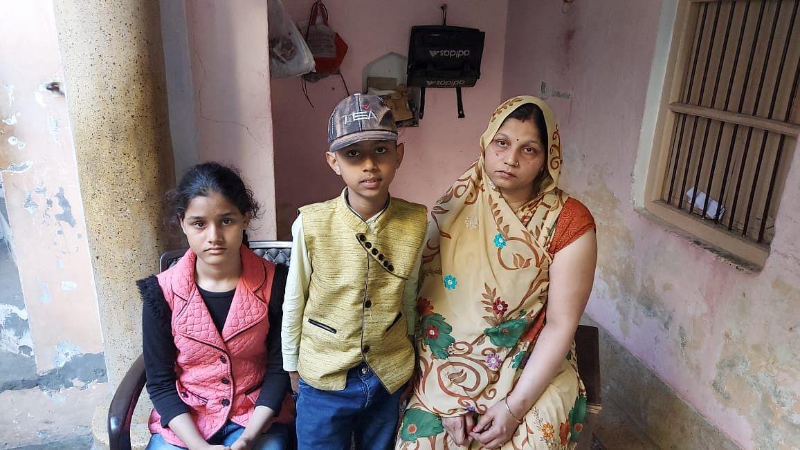 मेरठ : दिनदहाड़े आईटीआई कर्मचारी के परिवार को बंधक बनाकर लाखों की लूट