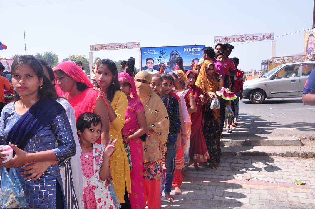 महाशिवरात्रि पर्व पर भोलेनाथ के जयकारों से गूंजे शिवालय, भक्तों में दिखा उत्साह