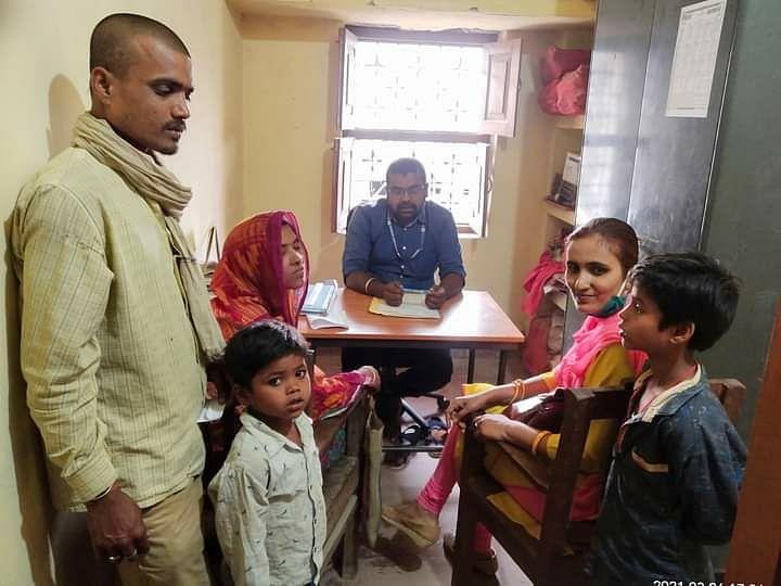 मुखिया के प्रयास से दो अनाथ बच्चों को मिला परवरिश