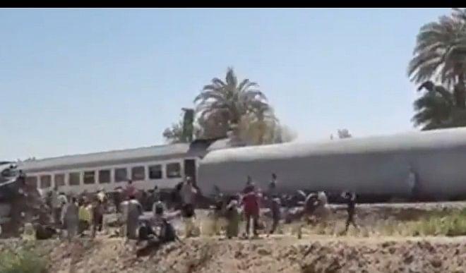 दक्षिणी मिस्र में आमने-सामने टकराई दो ट्रेन, 32 लोगों की मौत
