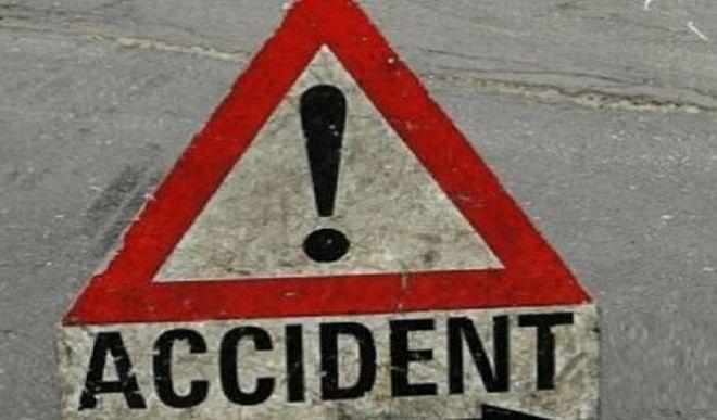मध्य प्रदेश के उज्जैन में दो कारों में हुई भिड़ंत, एक की मौत 7 घायल