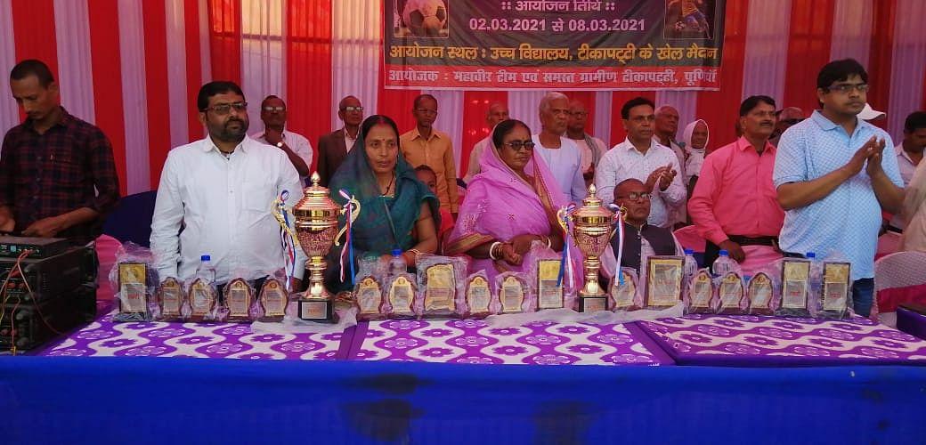 महावीर फुटबॉल टूर्नामेंट का आगाज, दिबरा ने एक गोल से जीता मैच