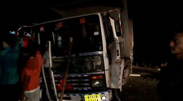 सड़क दुर्घटना में पांच लोग घायल