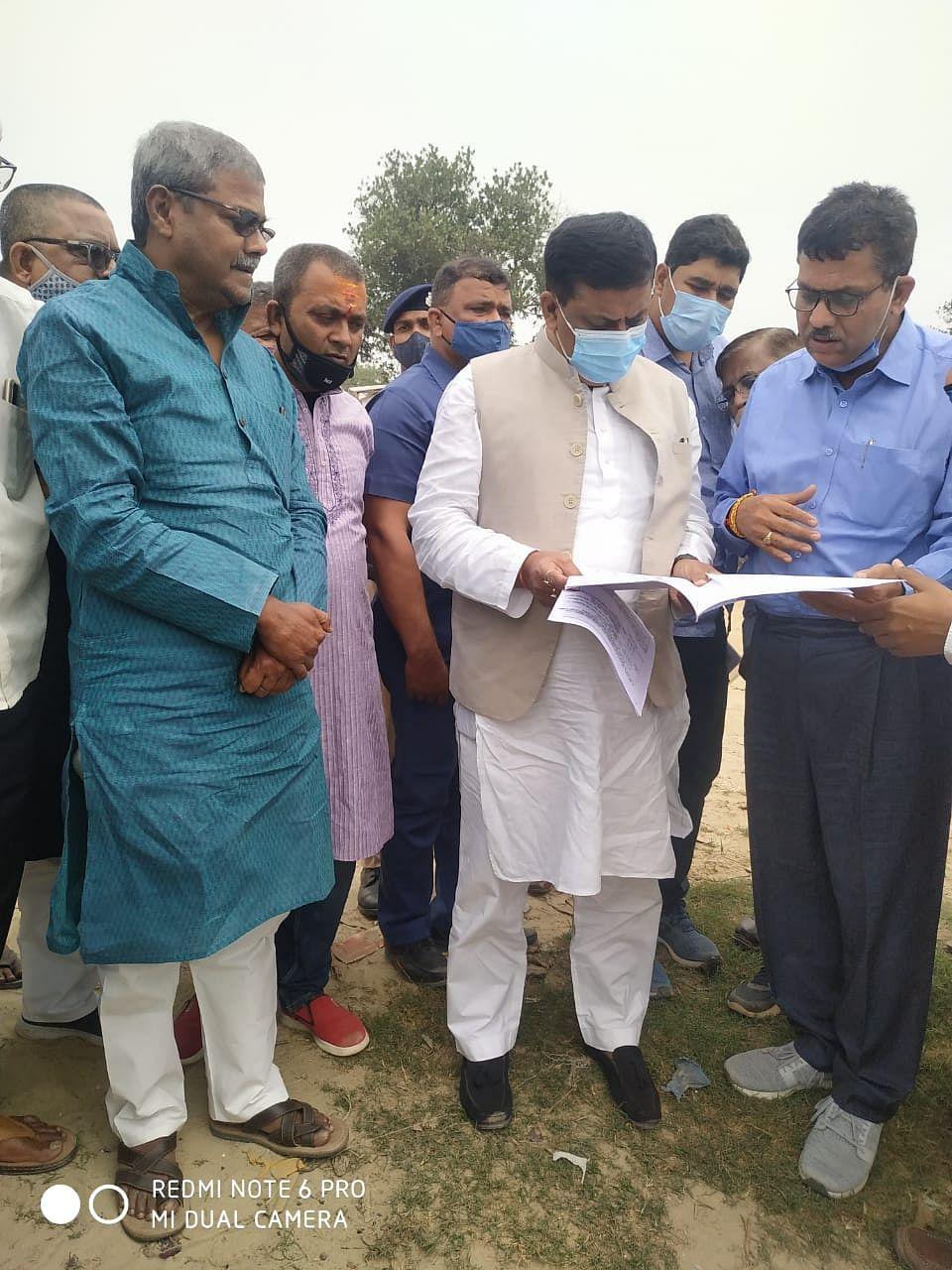 जल संसाधन मंत्री संजय झा ने किया नदी का निरीक्षण
