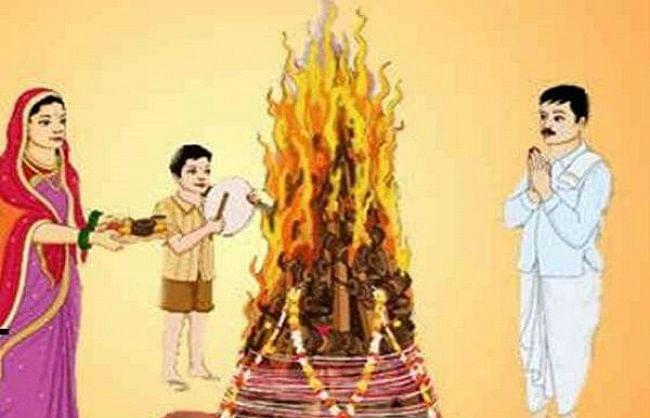 बिजनौर : लोगों के आकर्षण का केंद्र बनी धामपुर की ऐतिहासिक होली