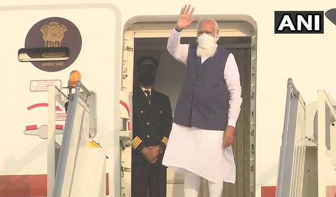 PM मोदी दो दिवसीय यात्रा के लिए बांग्लादेश रवाना, शेख हसीना के साथ कई मुद्दों पर करेंगे चर्चा