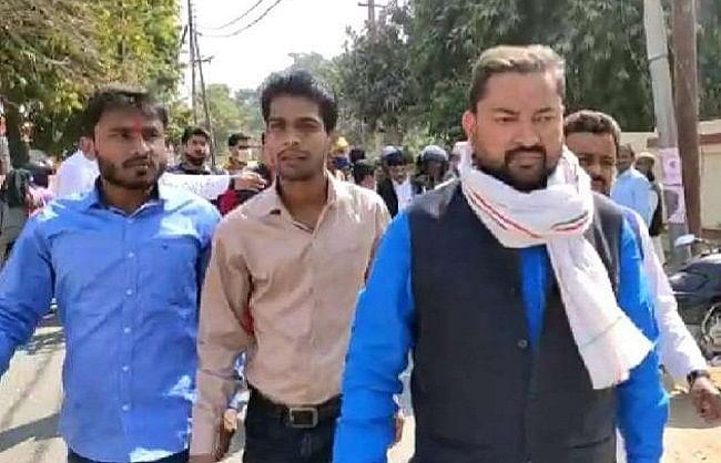 गोरखपुर : पूर्व सांसद के पौत्र रोहन पांडेय को तलाश रही पुलिस