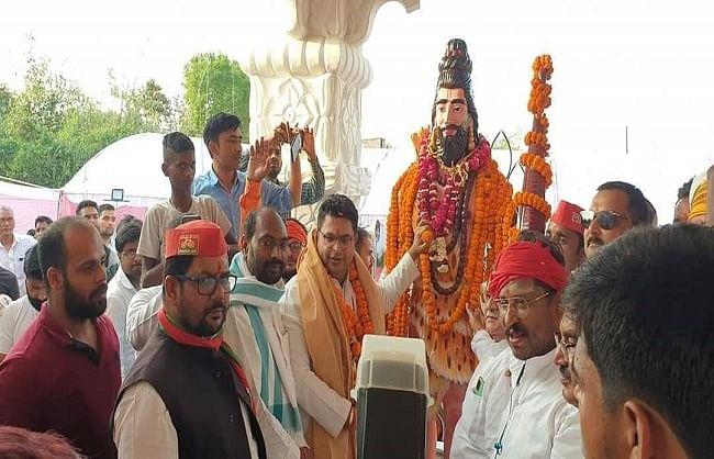 सपा सरकार में आयी तो भगवान परशुराम की बनेगी विश्व की अनोखी मूर्ति : अभिषेक मिश्रा
