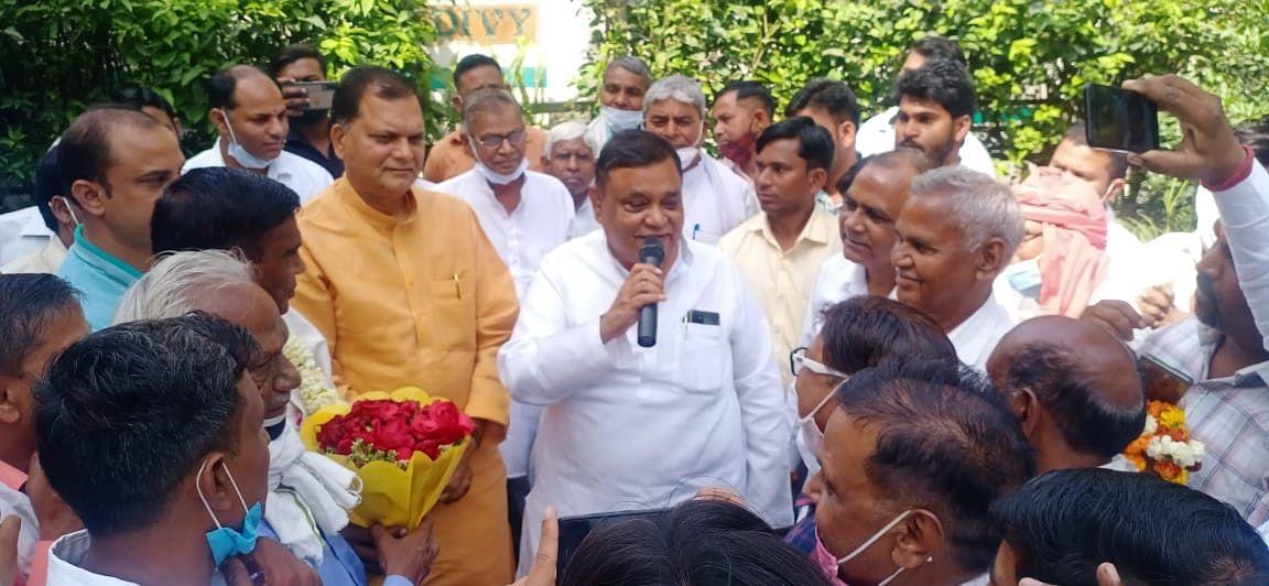 कोली जाति को अनुसूचित जाति की सूची में शामिल किए जाने पर राज्यमंत्री अतुल गर्ग का अभिननदन