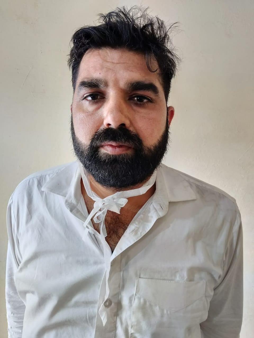 पाकिस्तान से तस्करी कर लाई गई हेरोईन का वांछित अपराधी गिरफ्तार