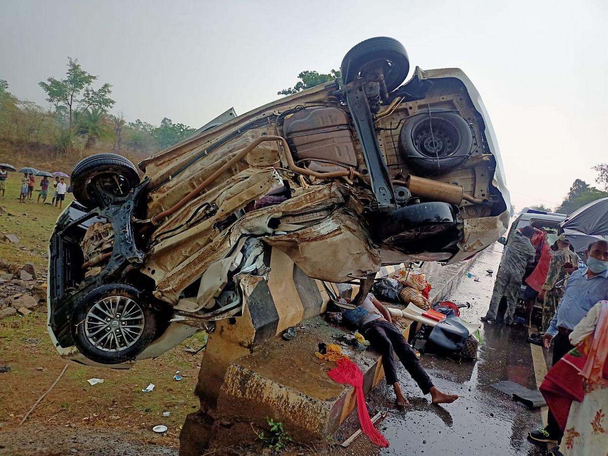 कोंडागांव(संशोधित ):घोड़ागांव के समीप राष्ट्रीय राजमार्ग 30 पर गंभीर सड़क हादसे में 3 की मौत