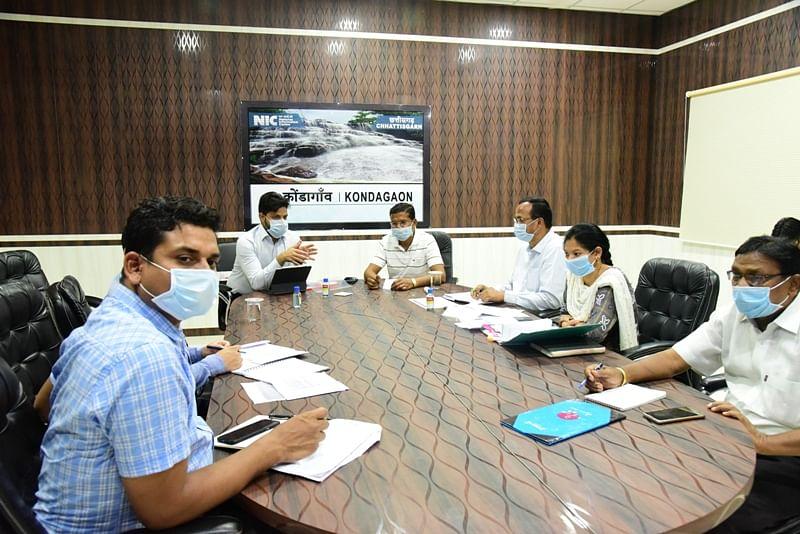कोंडागांव:कोविड -विधायकों ने वीडियो  कॉन्फ्रेंसिंग  से विकासखण्ड अधिकारियों से की चर्चा