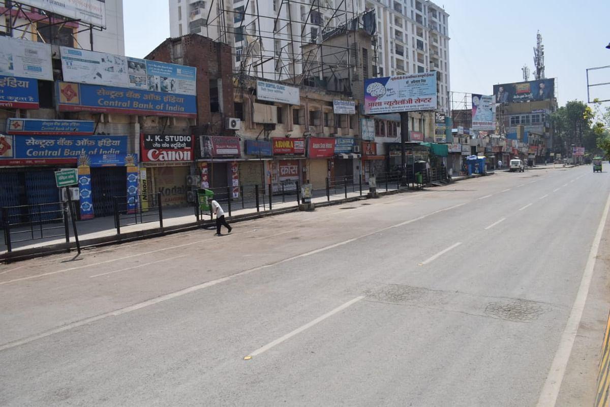 वाराणसी : सप्ताहांत लॉकडाउन में सड़कों पर पसरा सन्नाटा,बंद रहे बाजार