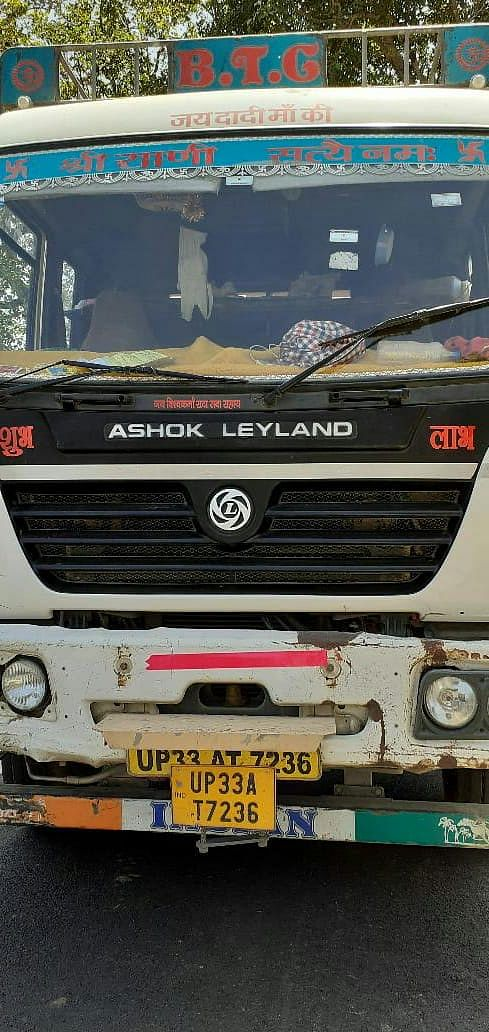 unnao-high-speed-truck-crushes-student-dies