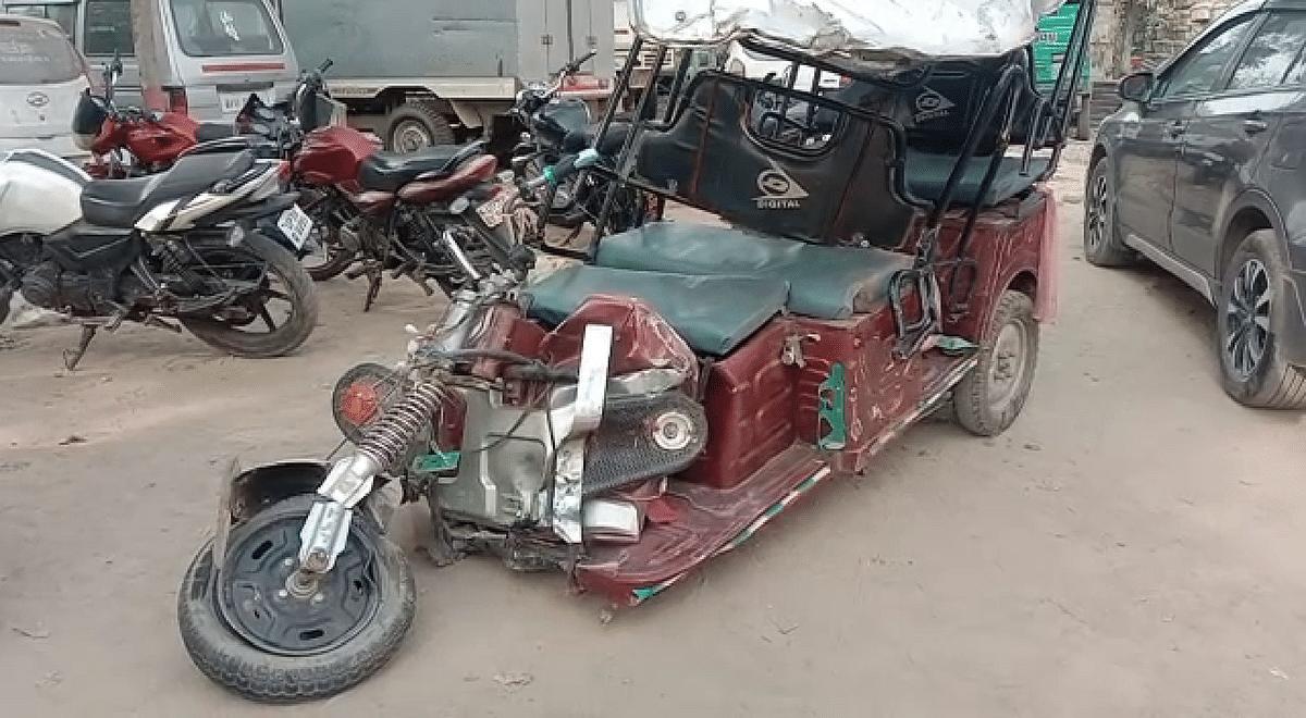तेज रफ्तार ट्रक ने ई-रिक्शा में मारी टक्कर चालक समेत दो की मौत, दो गंभीर