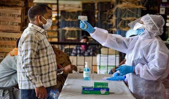 वाराणसी में कोरोना वायरस की दूसरी लहर हुई खतरनाक, विकास कार्यों पर लगा ब्रेक