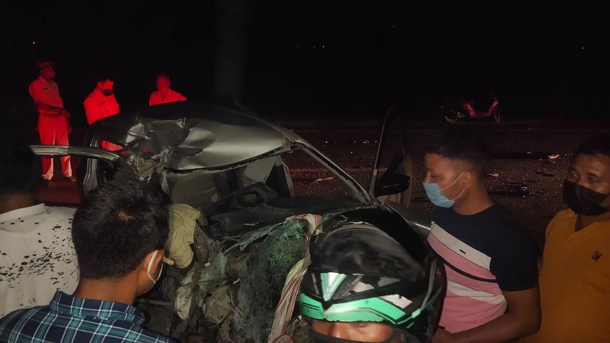 ट्रक और कार के बीच भिड़ंत, एक की मौत, दो घायल