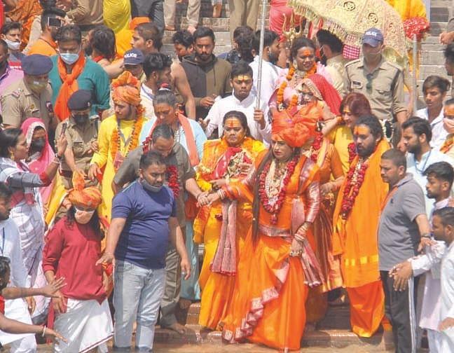 millions-took-a-dip-in-the-ganges-on-the-maha-kumbh-vaishakhi-shahi-snan-of-faith