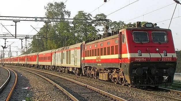 बांद्रा टर्मिनस- बरौनी के बीच एक और अतिरिक्त साप्ताहिक ट्रेन, बुकिंग कल से