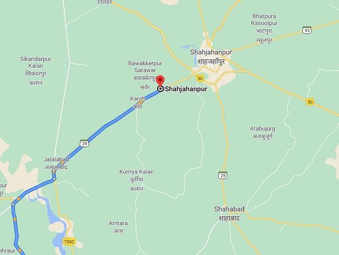 उप्रः शाहजहांपुर में बड़ा हादसा, रेलवे क्रासिंग पर ट्रेन से वाहनों की टक्कर, पांच की मौत