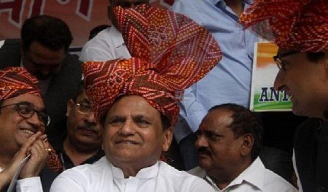 कांग्रेस के पास अहमद पटेल सा दूजा कोई और नहीं, पार्टी उनके शून्य को भरने के लिए कर रही संघर्ष