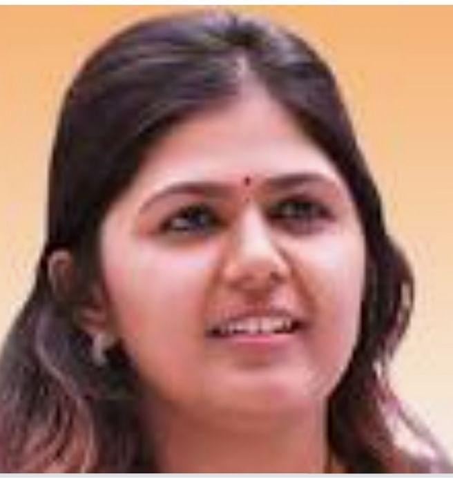 महाराष्ट्र : पूर्व मंत्री पंकजा मुंडे कोरोना संक्रमित