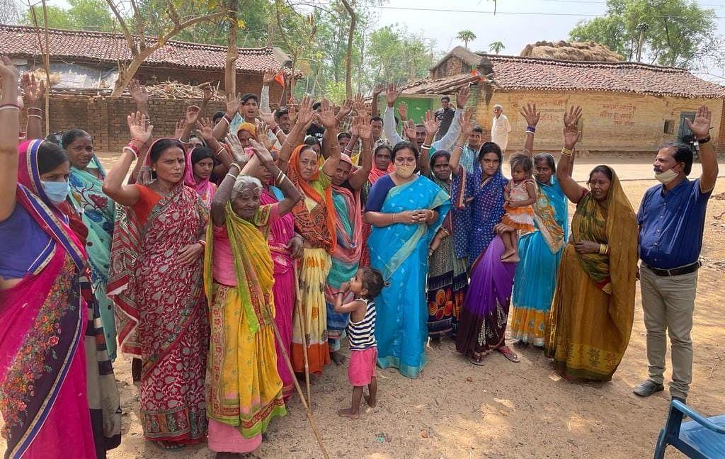विधायक दीपिका सिंह ने महागठबंधन उम्मीदवार के लिए मांगा वोट