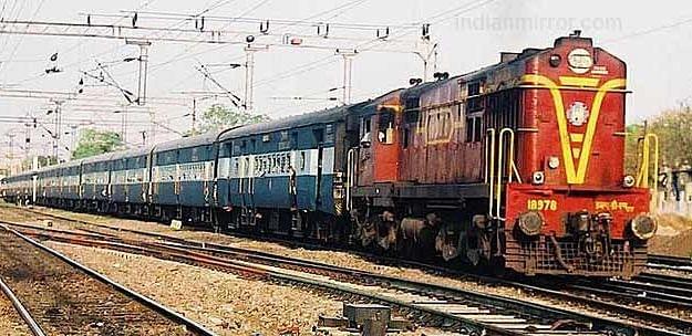 पश्चिम रेलवे : सुपरफास्ट स्पेशल के परिचालन के साथ 17 और स्पेशल ट्रेनों के फेरे विस्तारित