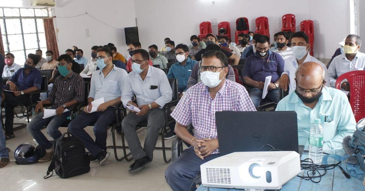 सामान्य प्रेक्षक ने माइक्रो आब्जर्बर को दी चुनाव संबंधी जानकारियां