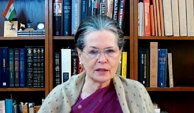 केरल के लोग विभाजनकारी ताकतों को हराएं और अधिनायकावादी नेताओं को खारिज करें: सोनिया