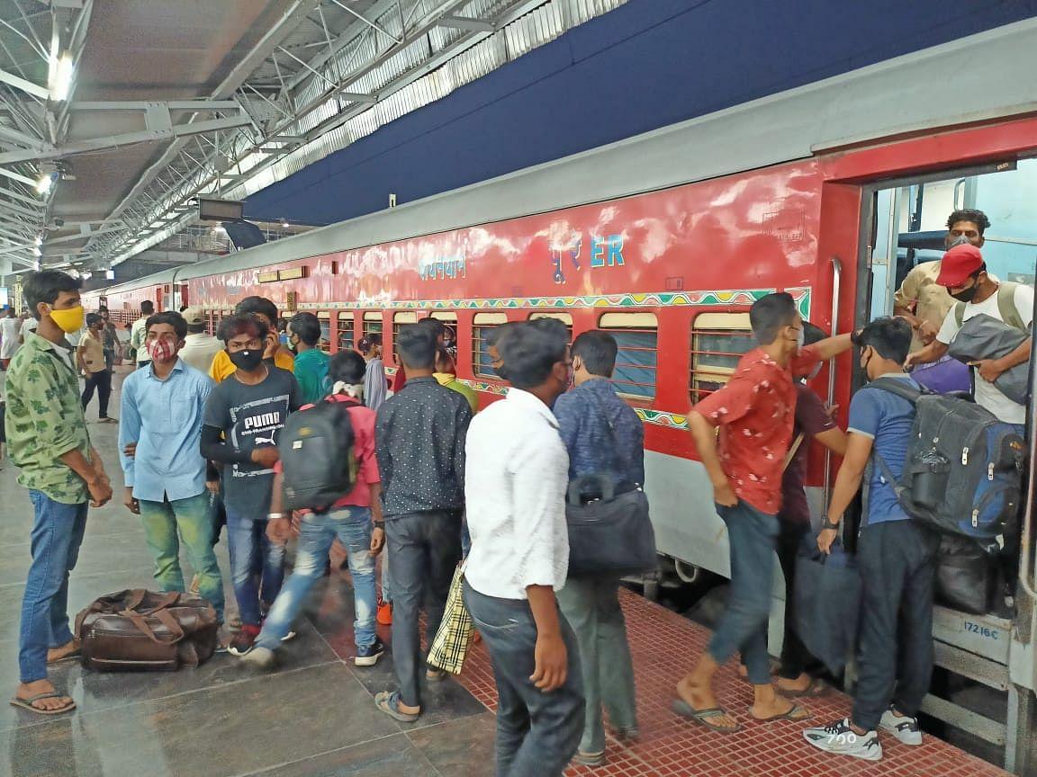 पुणे से भागलपुर पहुंची स्पेशल ट्रेन, मिले कई संक्रमित मरीज