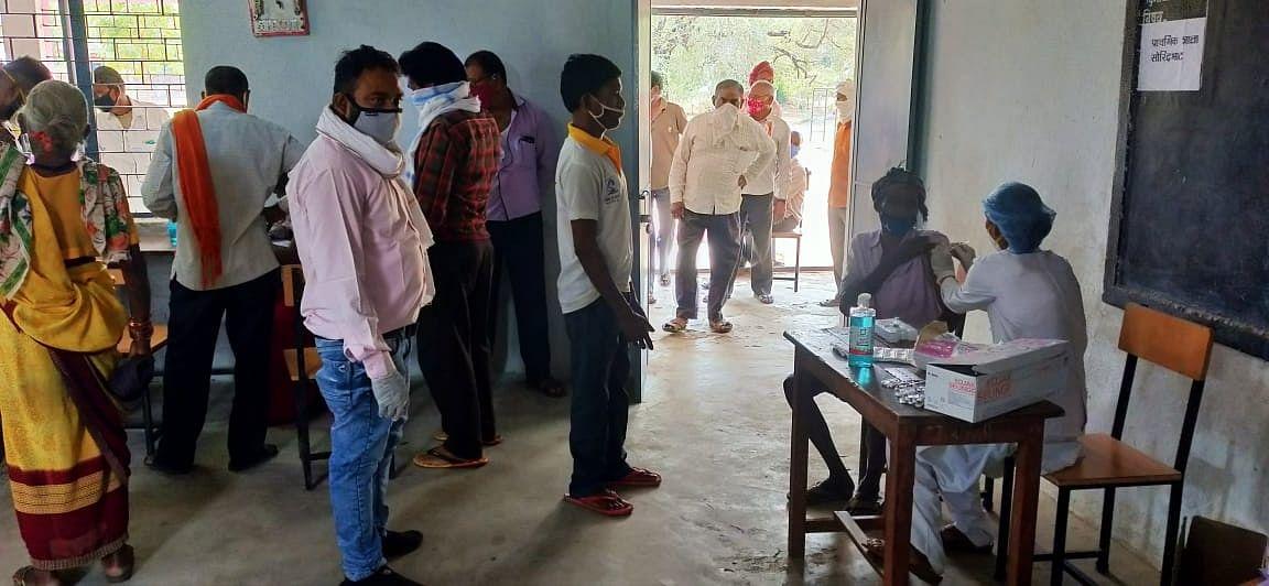 धमतरी:95 लोगों ने शिविर में पहुंचकर टीकाकरण करवाया