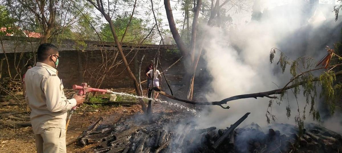 भिलाई नगर:उतई में पैरावट में लगी भीषण आग ,एक लाख रुपये  का नुकसान