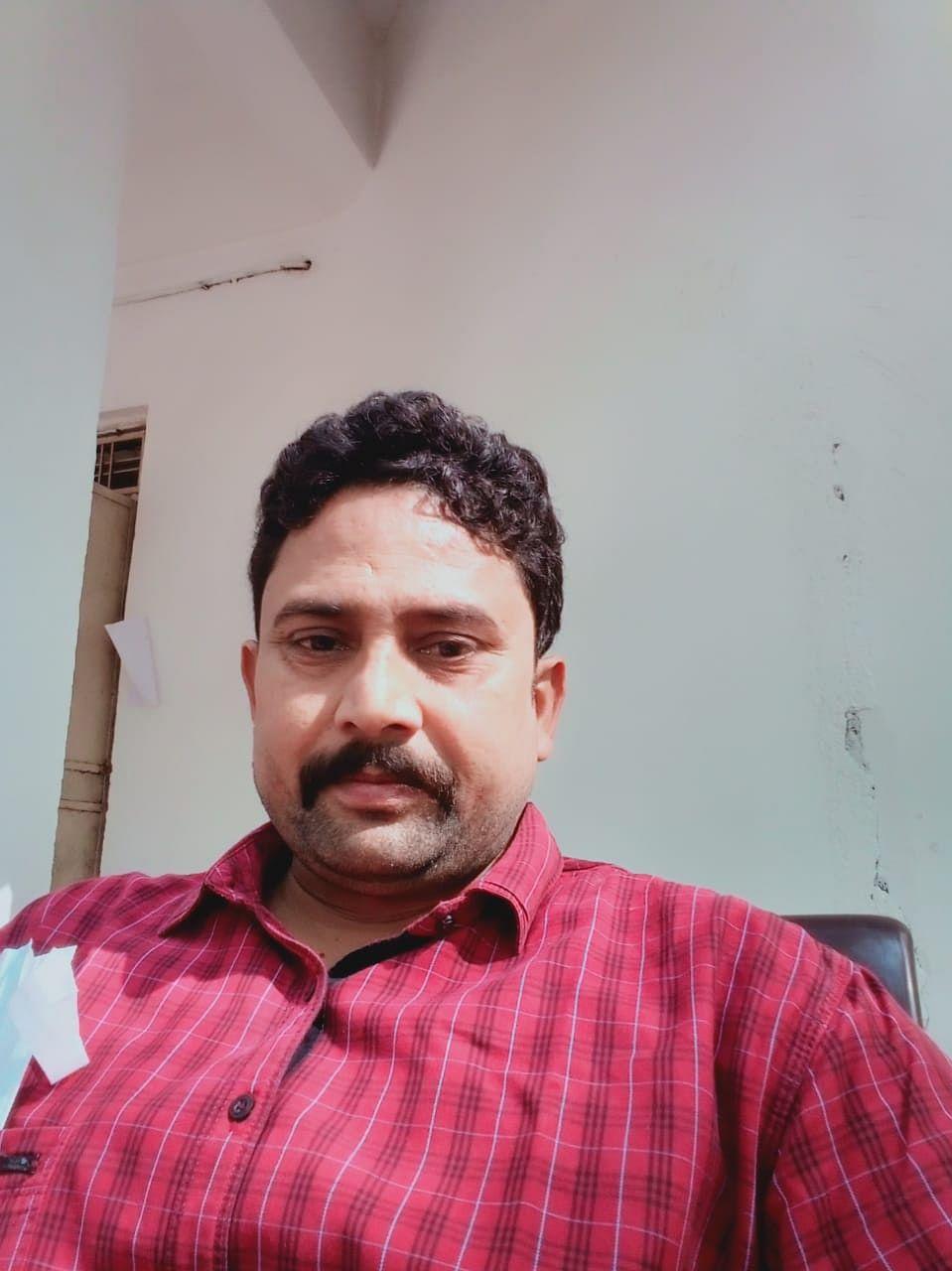 रायपुर:कोरोना से जंग- स्वास्थ्य की परवाह किए बिना अपनी ड्यूटी पूरी मुस्तैदी से कर रहे डाॅ. समीर