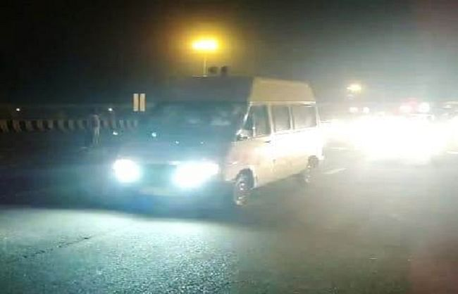 अलीगढ़ के जेवर में पेट्रोल पम्प पर चंद मिनटों के लिए रुका मुख्तार का काफिला, बांदा के लिए निकला