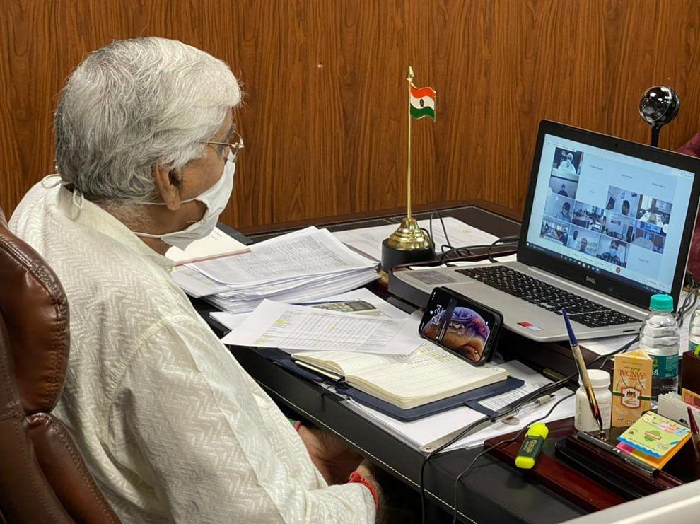 रायपुर:स्वास्थ्य मंत्री  ने  ग्रामीण क्षेत्रों में कांट्रेक्ट ट्रेसिंग को बढ़ावा देने के दिए निर्देश