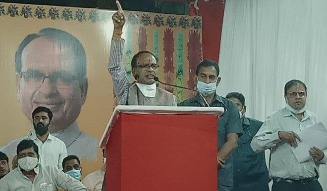नंदीग्राम में ही ममता बनर्जी हार रही हैं इसलिए बौखला रही हैं: शिवराज सिंह चौहान