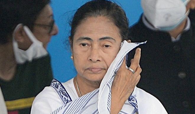 चुनाव-आयोग-के-ममता-बनर्जी-को-नोटिस-जारी-करने-से-खफा-हुई-TMC-जमकर-साधा-EC-पर-निशाना