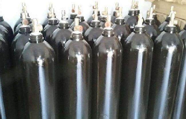 उप्र की पहल :  मध्यप्रदेश में कोविड मरीजों के इलाज के लिए भेजा गया 404 ऑक्सीजन सिलेंडर