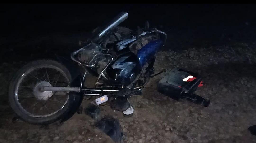 शव को दफना लौट रहे कर्मचारी की सडक़ दुर्घटना में मौत