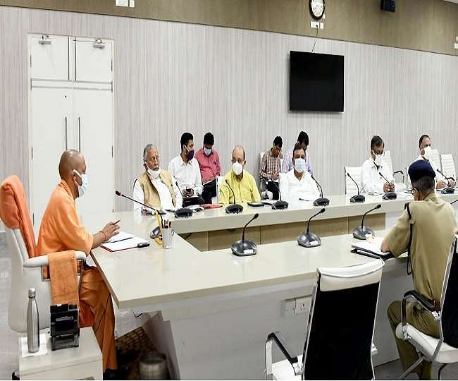 मुख्यमंत्री योगी का निर्देश, गेहूं क्रय केन्द्रों का संचालन पूरी क्षमता से हो