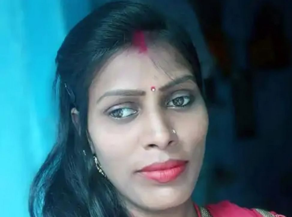 woman-gave-her-life-by-jumping-into-the-damodar-river-from-telmacho-bridge