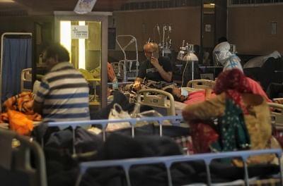 कोरोना का नया रिकॉर्ड : एक दिन में 3.79 लाख मामले, 36 सौ से ज्यादा मौत