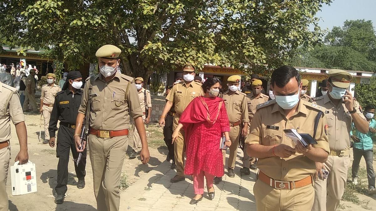 फतेहपुर: पंचायत चुनाव को लेकर छिटपुट घटनाओं को छोड़कर शांतिपूर्वक हुआ मतदान